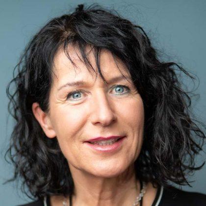 Christine Degenhart